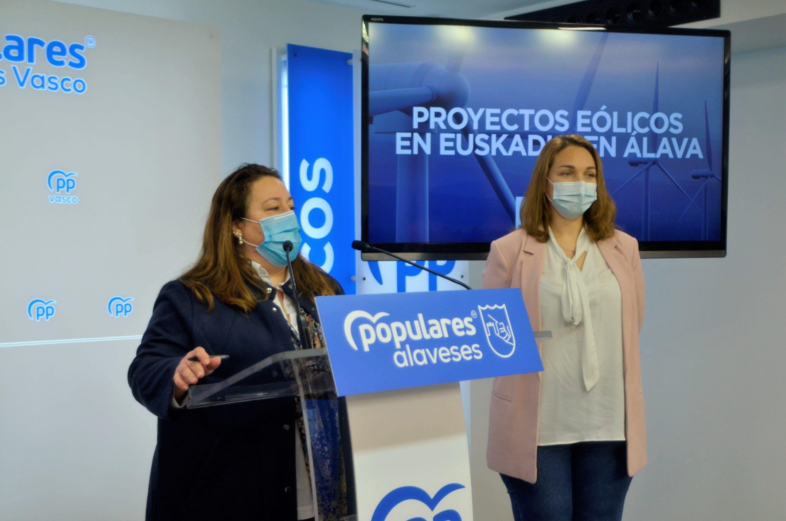 Marta Alaña y Muriel Larrea
